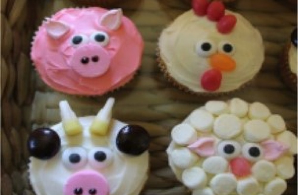 Children S Decorating Pre Made Cupcakes