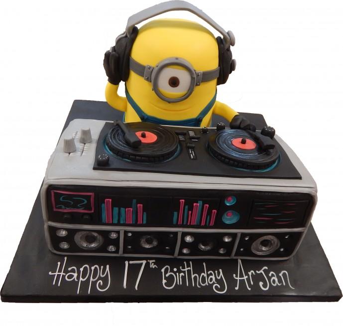 Minion Dj Birthday Cake