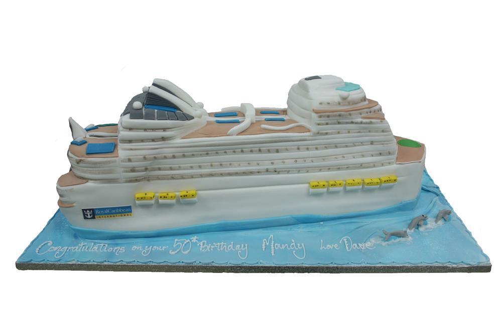 Cruise Ship - Cruise ship cake
