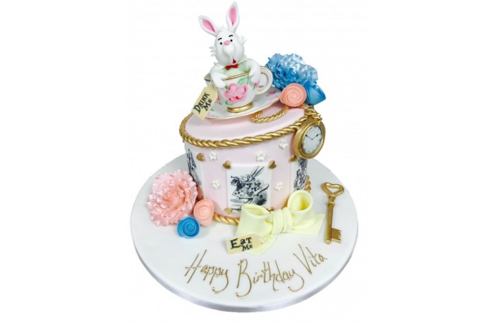 Alice in Wonderland White Rabbit Cake