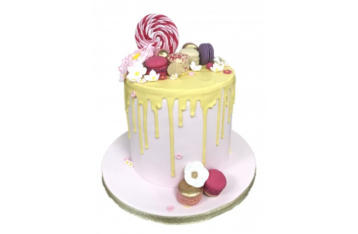 Flower and Macaroons Drizzle Cake