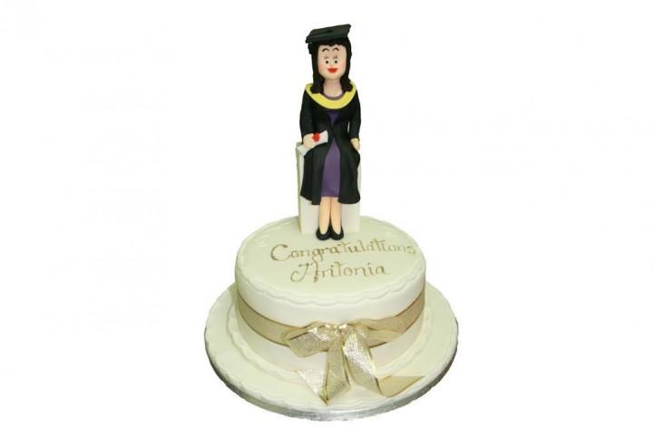 Graduation Figure Cake