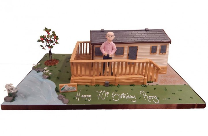 Holiday Home & Figure