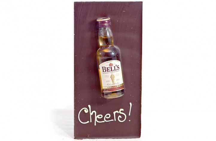 Large Chocolate bar with Alcohol - Bells Whisky