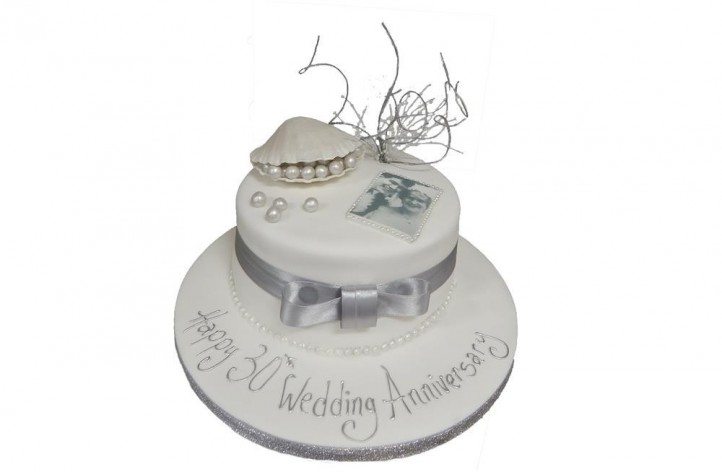 Pearl Anniversary Cake with Picture