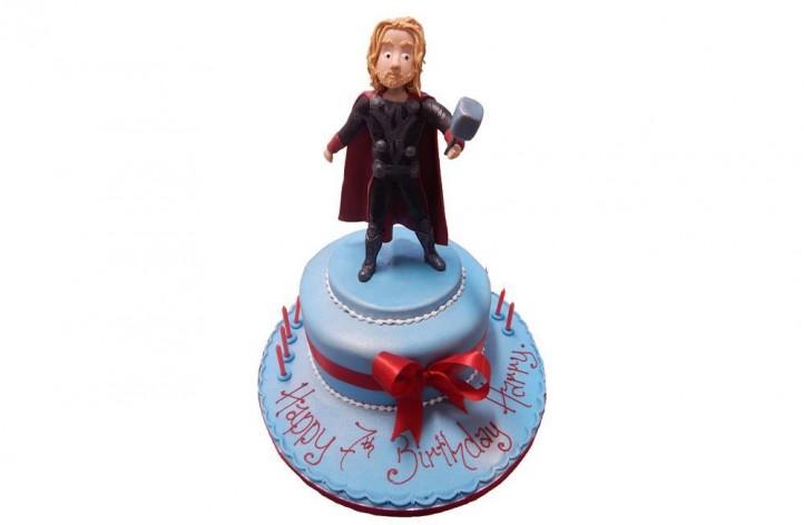 Thor Sugar Figure Cake