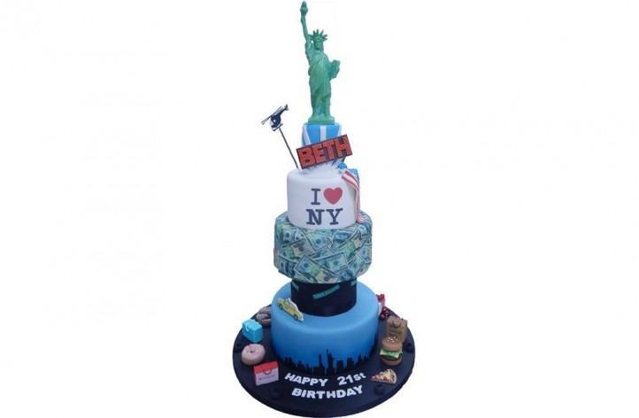 Tiered New York Cake with Statue of Liberty