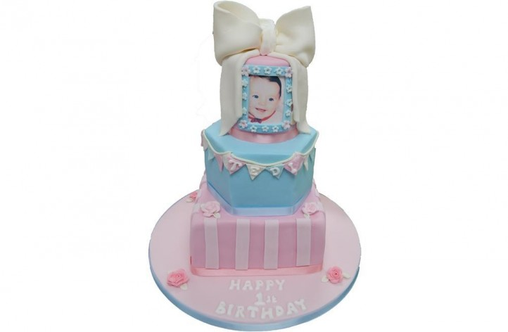 Tiered Picture and Bow Cake