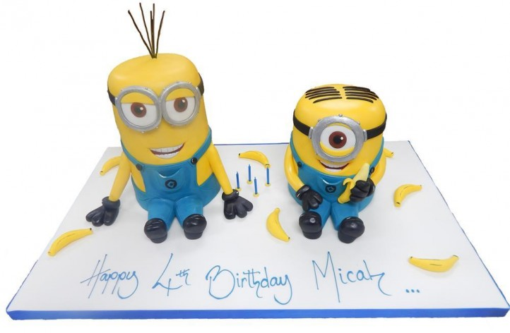Two Minion Full Figures