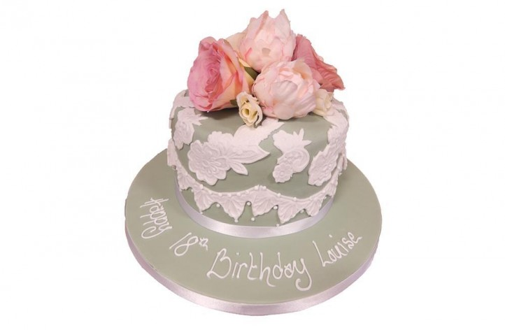 Vintage Lace & Roses Cake